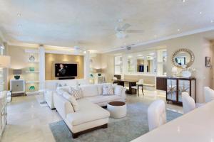 Condomínio para Venda às 110 Gleason Street 110 Gleason Street Delray Beach, Florida 33483 Estados Unidos