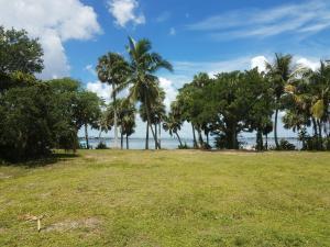 Land for Sale at 5 River Oak Place Sewalls Point, Florida 34996 United States