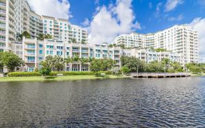Condominio por un Venta en 450 N Federal Highway 450 N Federal Highway Boynton Beach, Florida 33435 Estados Unidos