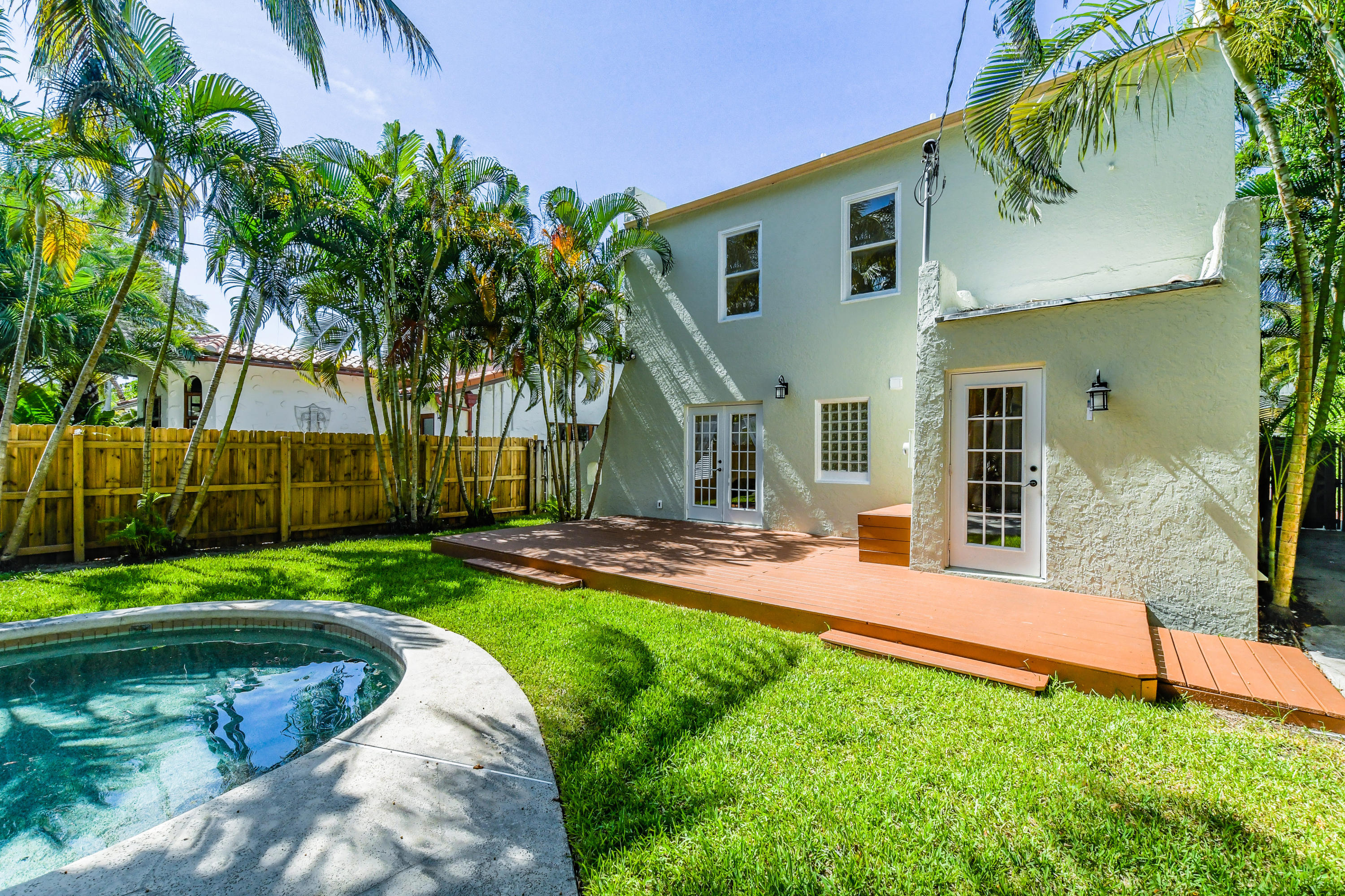 209 Monroe Drive West Palm Beach, FL 33405 photo 18