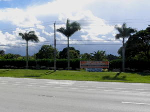 Single Family Home for Sale at 8545 US Highway 441 Boynton Beach, Florida 33472 United States