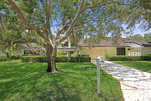 Townhouse for Sale at 11395 Twelve Oaks Way 11395 Twelve Oaks Way North Palm Beach, Florida 33408 United States