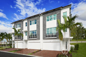 Townhouse for Sale at 2900 NE 12th Terrace 2900 NE 12th Terrace Oakland Park, Florida 33334 United States