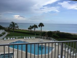 Condominio por un Alquiler en 2700 Ocean Drive 2700 Ocean Drive Vero Beach, Florida 32963 Estados Unidos