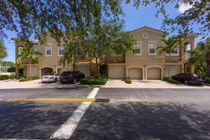 共管式独立产权公寓 为 出租 在 4961 Bonsai Circle 4961 Bonsai Circle 棕榈滩花园, 佛罗里达州 33418 美国