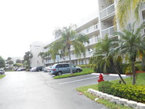 Property for sale at 3146 Via Poinciana Unit: 315, Lake Worth,  FL 33460