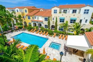 Maison accolée pour l Vente à 3664 Voaro Way 3664 Voaro Way West Palm Beach, Florida 33405 États-Unis