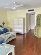 Additional photo for property listing at 630 Snug Harbor Drive 630 Snug Harbor Drive Boynton Beach, Florida 33435 États-Unis