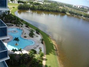 شقة بعمارة للـ Rent في 2641 N Flamingo Road Sunrise, Florida 33323 United States