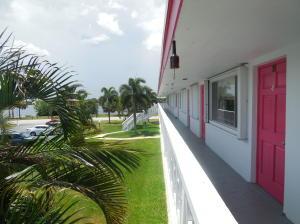 Condominium for Rent at 2180 Lake Osborne Drive 2180 Lake Osborne Drive Lake Worth, Florida 33461 United States