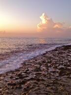 Additional photo for property listing at 4200 N Ocean Drive 4200 N Ocean Drive Riviera Beach, Florida 33404 Estados Unidos