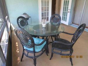 Additional photo for property listing at 2300 NE 13th Court 2300 NE 13th Court Jensen Beach, Florida 34957 Vereinigte Staaten