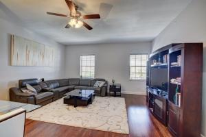 Additional photo for property listing at 200 NE 2nd Avenue 200 NE 2nd Avenue Delray Beach, Florida 33444 États-Unis