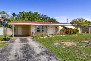 Property for sale at 1182 SE 2Nd Avenue, Deerfield Beach,  FL 33441