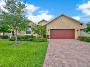 Single Family Home for Sale at 2879 Siena Circle 2879 Siena Circle Wellington, Florida 33414 United States