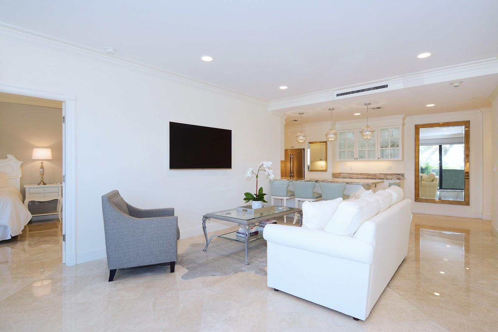 TRIANON WEST PALM BEACH REAL ESTATE