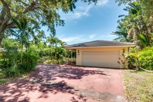 Einfamilienhaus für Verkauf beim 960 SW 20th Street Boca Raton, Florida 33486 Vereinigte Staaten