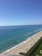Condominio por un Alquiler en 9500 S Ocean Drive Jensen Beach, Florida 34957 Estados Unidos