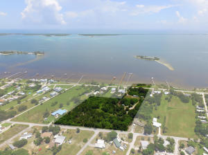 Terreno por un Venta en 13095 N Indian River Drive 13095 N Indian River Drive Sebastian, Florida 32958 Estados Unidos