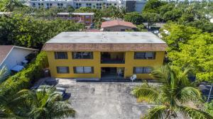 Apartamentos multi-familiares para Venda às 523 SE 20th Court 523 SE 20th Court Boynton Beach, Florida 33435 Estados Unidos