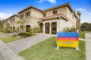 378 NE 47TH Place Deerfield Beach, FL 33064