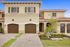 318 NE 47TH Place Deerfield Beach, FL 33064