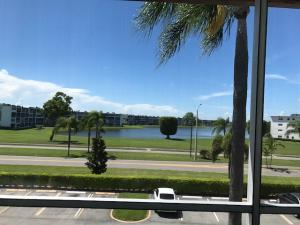 Additional photo for property listing at 34 Fanshaw A 34 Fanshaw A Boca Raton, Florida 33434 United States