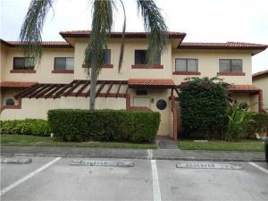 تاون هاوس للـ Rent في 8827 Springtree Lakes Drive Sunrise, Florida 33351 United States