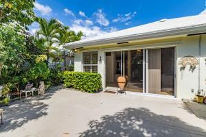 Additional photo for property listing at 946 Bear Island Circle 946 Bear Island Circle West Palm Beach, Florida 33409 United States