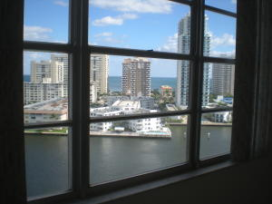 Additional photo for property listing at 137 Golden Isles Drive 137 Golden Isles Drive Hallandale Beach, Florida 33009 United States
