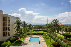 Additional photo for property listing at 1045 Ocean Drive 1045 Ocean Drive Juno Beach, Florida 33408 Estados Unidos