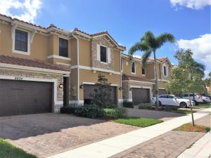 Townhouse for Rent at TOWN PARC AT MIRALAGO, 9622 Waterview Way Parkland, Florida 33076 United States