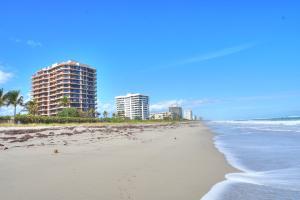 Appartement en copropriété pour l à louer à Beachfront, 530 Ocean Drive Juno Beach, Florida 33408 États-Unis