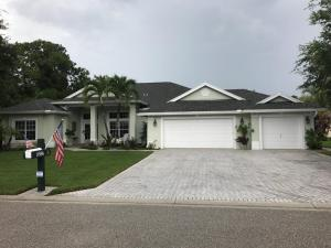 Casa Unifamiliar por un Venta en 8586 SW Sea Captain Drive 8586 SW Sea Captain Drive Stuart, Florida 34997 Estados Unidos
