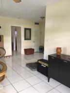 Condominio por un Alquiler en 3522 NE 166th Street North Miami Beach, Florida 33160 Estados Unidos