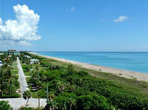 Condomínio para Venda às 2400 S Ocean Drive 2400 S Ocean Drive Fort Pierce, Florida 34949 Estados Unidos