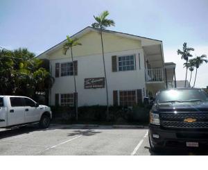 komerziell für Verkauf beim 2405 Lake Drive 2405 Lake Drive West Palm Beach, Florida 33404 Vereinigte Staaten