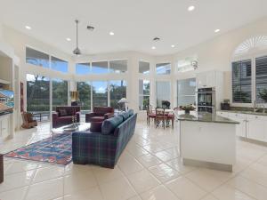 Maison unifamiliale pour l Vente à 118 Emerald Key Lane 118 Emerald Key Lane Palm Beach Gardens, Florida 33418 États-Unis