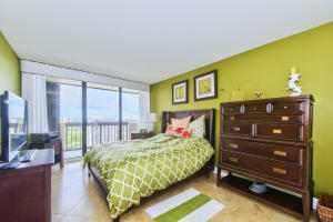 Condominium for Sale at 108 Lakeshore Drive 108 Lakeshore Drive North Palm Beach, Florida 33408 United States