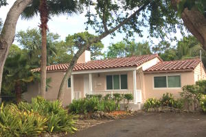 Single Family Home for Sale at 1002 NE 116th Street 1002 NE 116th Street Biscayne Park, Florida 33161 United States