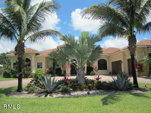 Single Family Home for Sale at 460 N Country Club Drive Atlantis, Florida 33462 United States
