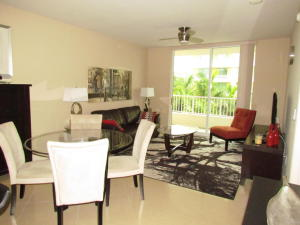 Additional photo for property listing at 625 Casa Loma Boulevard 625 Casa Loma Boulevard Boynton Beach, Florida 33435 États-Unis