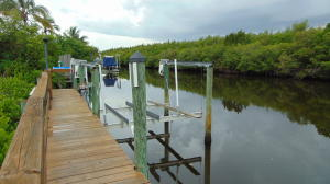 Queens Cove
