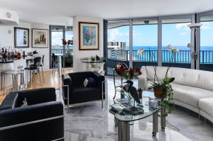Additional photo for property listing at 5200 N Ocean Drive 5200 N Ocean Drive Singer Island, Florida 33404 États-Unis