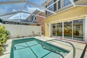 Residência urbana para Locação às TEQUESTA OAKS, 22 Tall Oaks Circle 22 Tall Oaks Circle Tequesta, Florida 33469 Estados Unidos