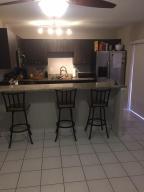 Residência urbana para Locação às 932 Springdale Circle Palm Springs, Florida 33461 Estados Unidos