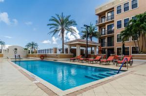 Additional photo for property listing at 511 Lucerne Avenue 511 Lucerne Avenue Lake Worth, Florida 33460 United States