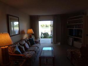 Additional photo for property listing at 5527 NE Gulfstream Way 5527 NE Gulfstream Way Stuart, Florida 34996 Estados Unidos