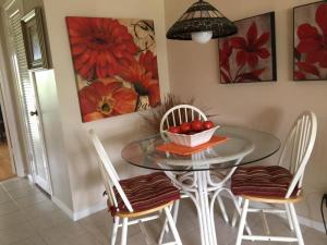 Additional photo for property listing at 209 Sussex K 209 Sussex K West Palm Beach, Florida 33417 États-Unis