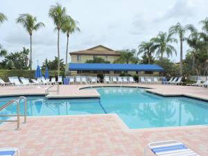 6626  Via Regina Boca Raton, FL 33433